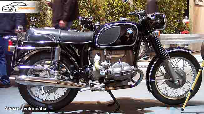 motor klasik BMW Slash